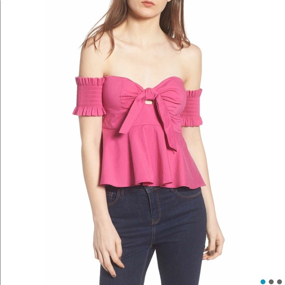 84a6d4bccf Socialite off-the-shoulder top